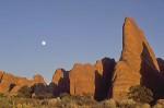 Monumente mit Mond